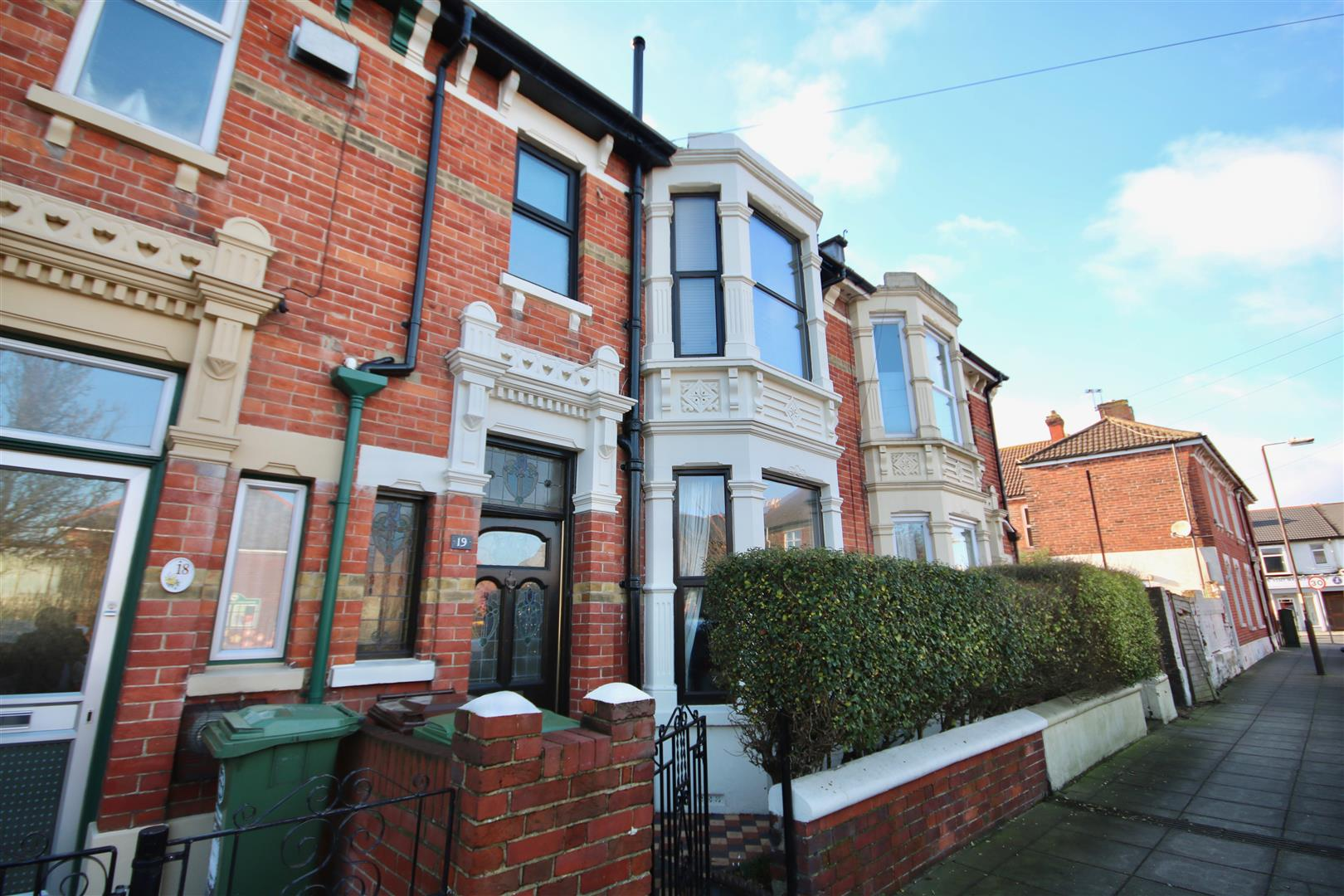 3 Bedrooms Terraced House for sale in Evans Road, SOUTHSEA, Portsmouth, Hampshire